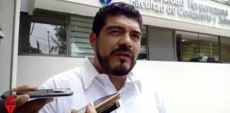 El secretario de Educación, Zenyazen Escobar García informó que siete trabajadores de la dependencia fueron retenidos desde este miércoles por pobladores de Zongolica.