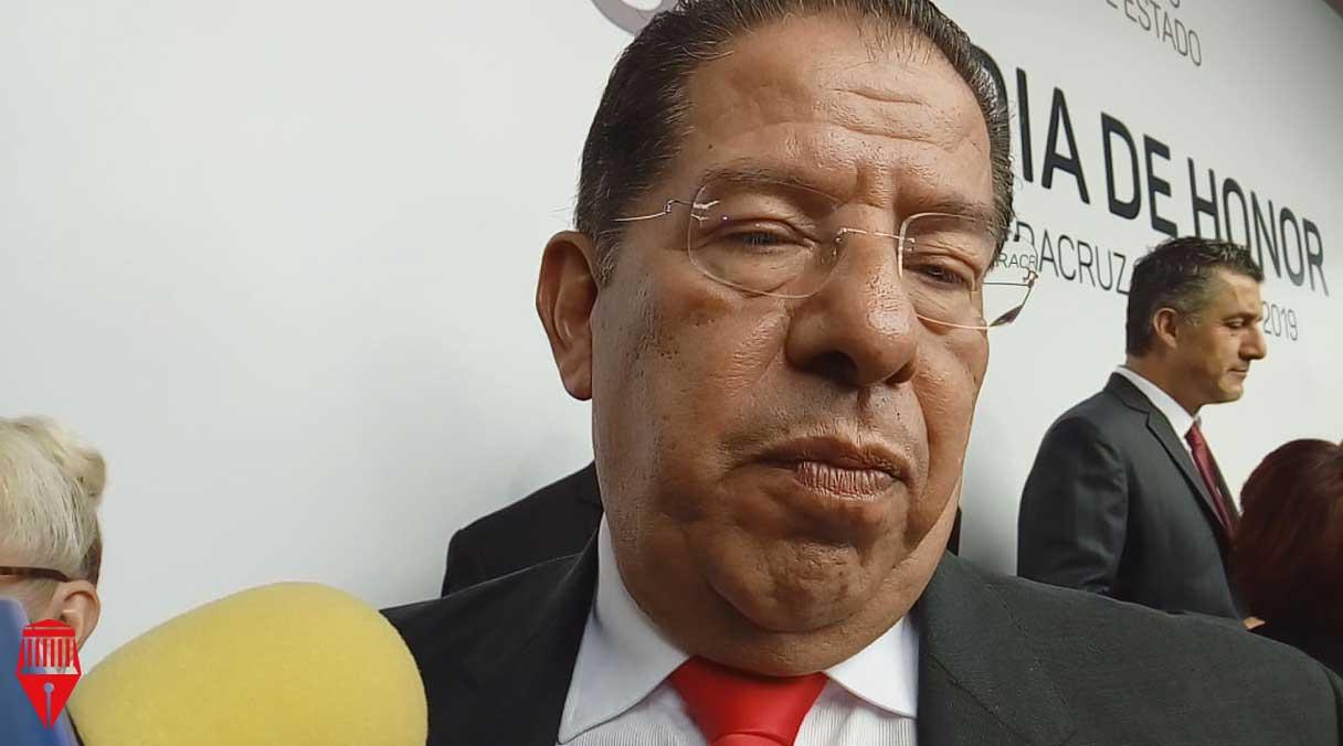 El fiscal anticorrupción, Marcos Even Torres Zamudio puede ser removido del cargo por abandono de funciones, señaló el presidente de la Mesa Directiva del Congreso local, José Manuel Pozos Castro.