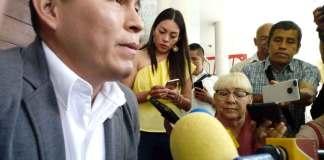 El presidente municipal de Zongolica, Juan Carlos Mezhua Campos consideró que las pugnas en el Gobierno de Veracruz con otros poderes afectan a los veracruzanos.