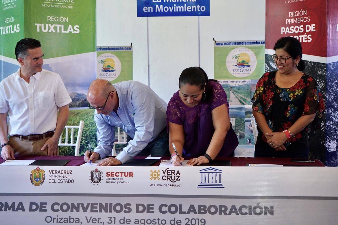 """Durante el segundo día de actividades del Encuentro Estatal de Turismo """"Altas Montañas"""", la Secretaría de Turismo y Cultura incorporó a la Ciudad de México en la firma del convenio de colaboración que previamente signó con los estados de Hidalgo y Tlaxcala."""