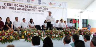 """Con una inversión estatal superior a los 15 millones de pesos, el gobernador Cuitláhuac García Jiménez inauguró los edificios """"H"""" y """"G"""" del Instituto Tecnológico Superior de Huatusco, que en breve estarán al servicio de la comunidad educativa."""