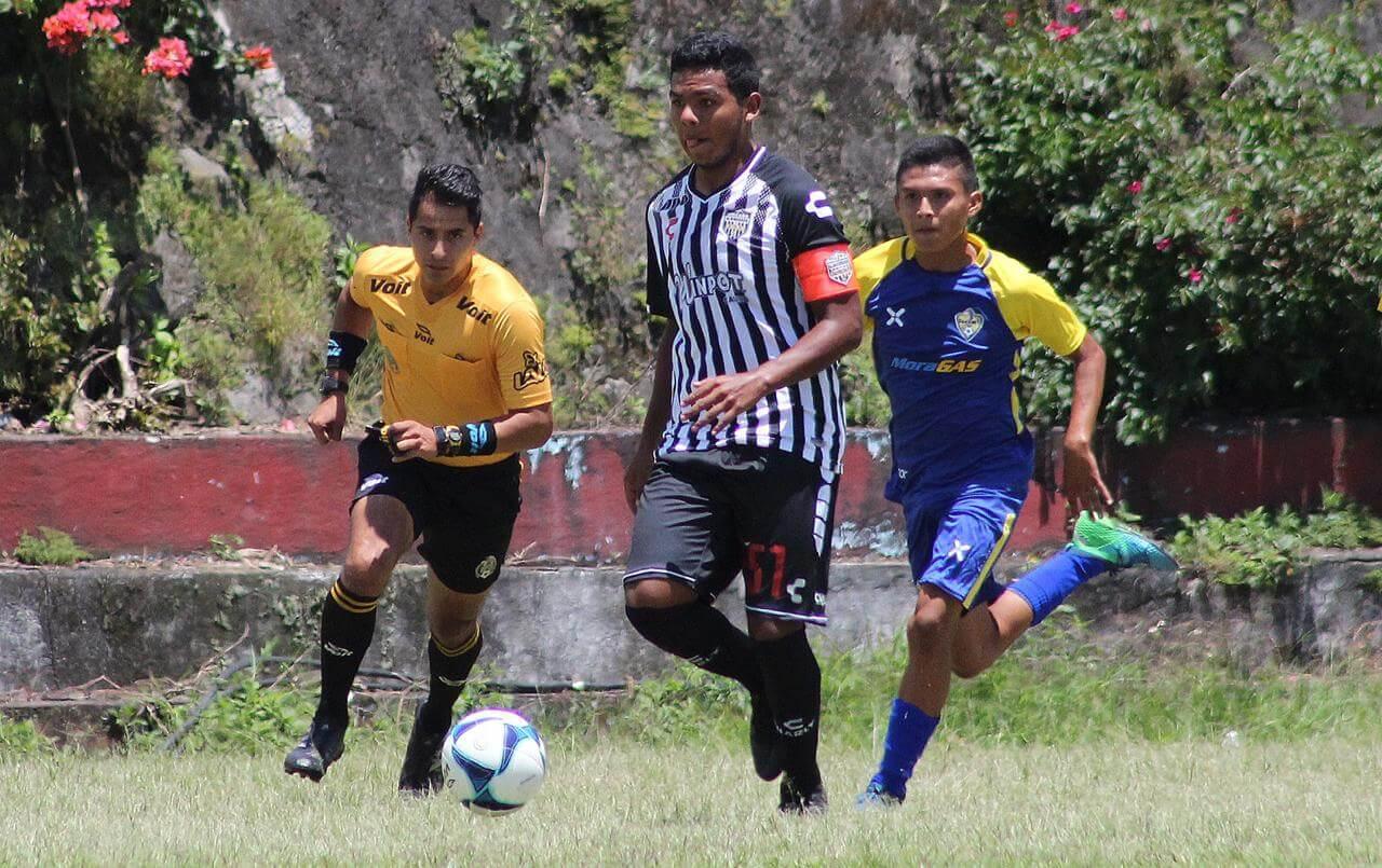En el inicio de la Liga de Tercera División, los Albinegros de Orizaba empataron 3-3 ante los Papanes de Papantla, en partido efectuado en el Estadio Solidaridad, en esta ciudad.