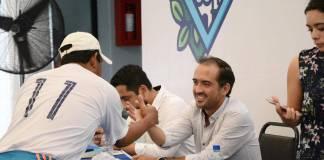 """El programa """"Miércoles Ciudadano"""" seguirá de manera permanente dado los buenos resultados que ha rendido para atender las peticiones y quejas de la ciudadanía, anunció este día el presidente municipal de Veracruz, Fernando Yunes Márquez."""