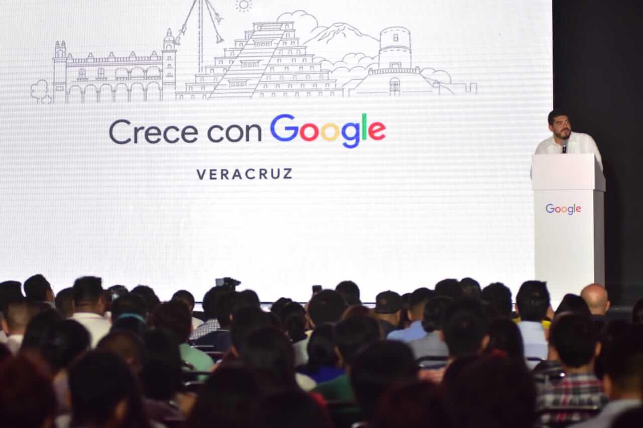 Para reducir la brecha digital en las comunidades rurales de la entidad, que carecen de acceso a las nuevas tecnologías, la Secretaría de Educación de Veracruz (SEV) participó en la iniciativa