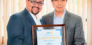 Este miércoles, el rector de la Universidad de Xalapa, dr. Carlos García Méndez recibió un reconocimiento por parte del Club Rotario Xalapa Manantiales, por su ejemplo de humanismo para las nuevas generaciones.