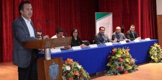 El gobernador del estado, Cuitláhuac García Jiménez inauguró el Décimo Encuentro Internacional sobre la Enseñanza del Cálculo, Ciencias y Matemática, que se realiza del 26 al 28 del presente en la Facultad de Contaduría de la Universidad Veracruzana (UV) a fin de mejorar la estrategia de enseñanza de las matemáticas.
