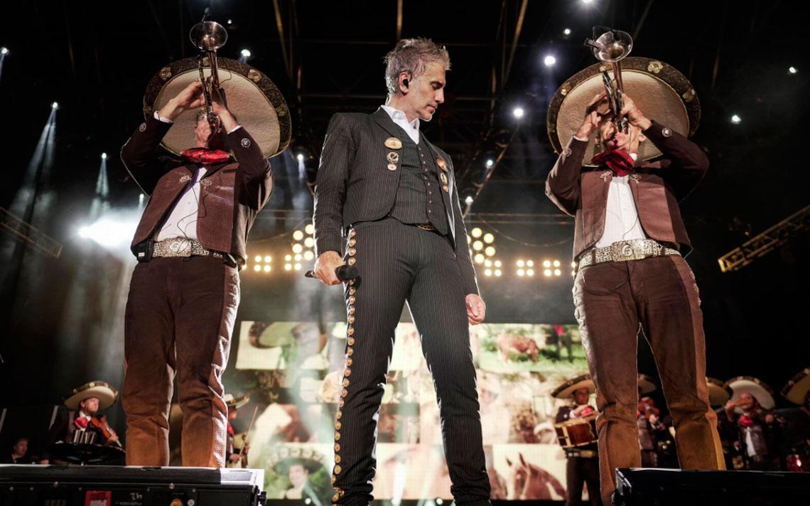 El cantante mexicano Alejandro Fernández recibirá el Premio a la Herencia Hispana por su trayectoria en la música.
