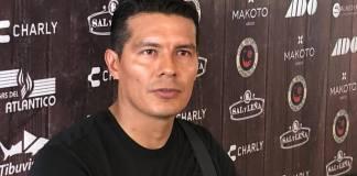 El portero del Club Deportivo Veracruz, Edgar Melitón Hernández aseguró que el plantel avanza, mejora futbolísticamente y los resultados positivos poco a poco comienzan a hacerle justicia al esfuerzo colectivo que brinda el equipo en sus cotejos.