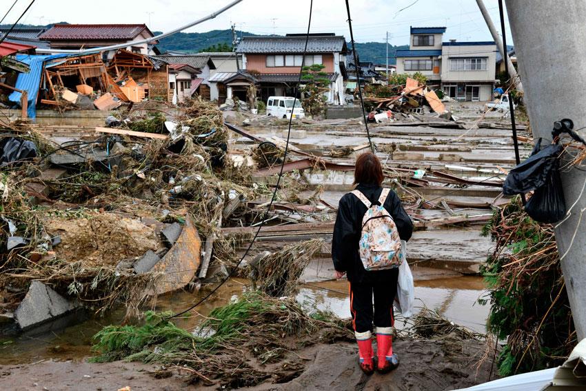 Autoridades japonesas continúan con la búsqueda de al menos 15 personas desaparecidas por el tifón que arrasó gran parte del país entre el sábado y el domingo, mientras que el número de fallecidos asciende por el momento a 68.