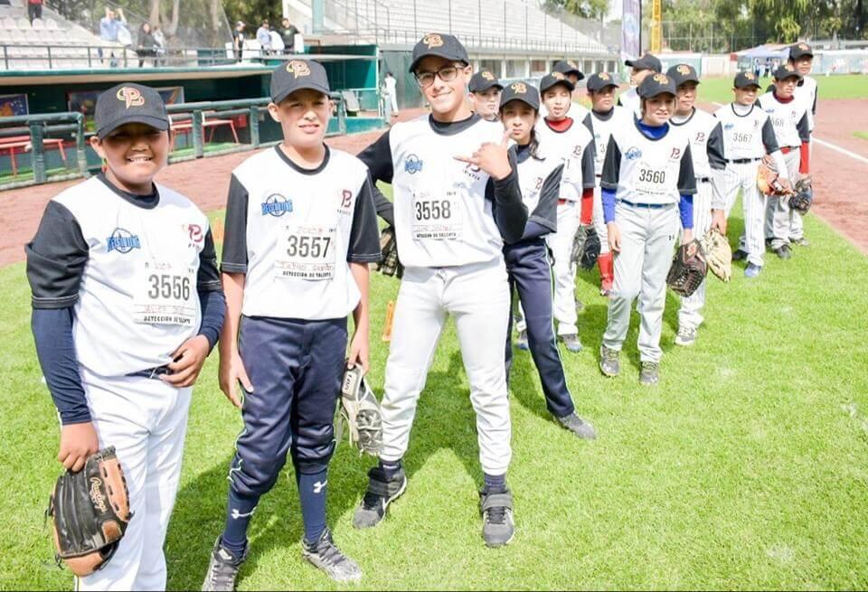 A finales del mes de Noviembre el proyecto federal de difusion y promoción del beisbol PROBEIS se presentará en Veracruz, teniendo como escenario el Parque Deportivo Beto Ávila, así lo informó el titular del IVD, Víctor Ivan Dominguez