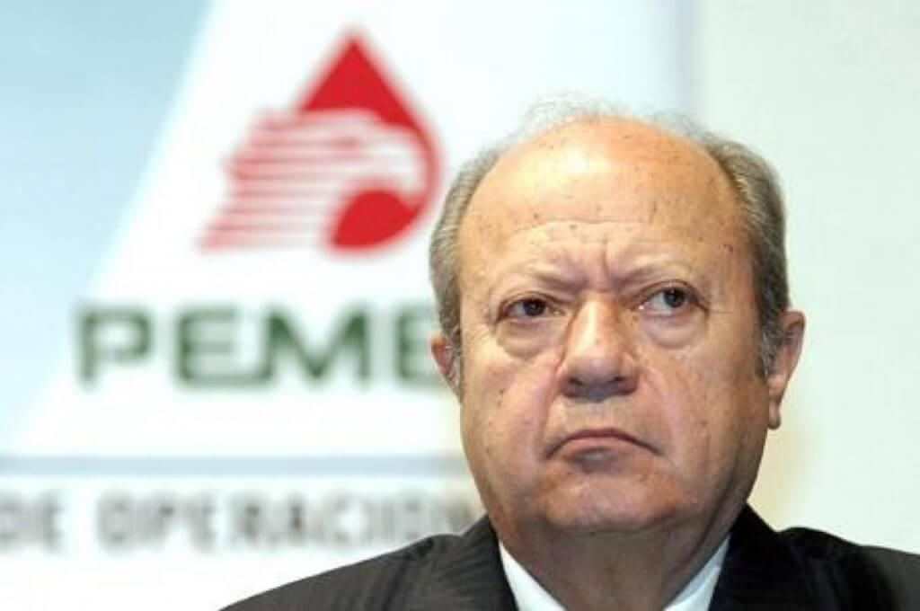 El presidente, Andrés Manuel López Obrador garantizó hoy que su gobierno no intervendrá en la vida interna del Sindicato de Trabajadores Petroleros de la República Mexicana (STPRM) en caso de que decida renunciar su dirigente, Carlos Romero Deschamps.