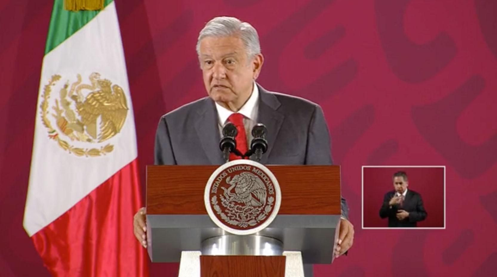 Durante su conferencia de prensa matutina, el presidente, Andrés Manuel López Obrador anunció que los restos del cantante José José, serán trasladados a México por un avión de la Fuerza Aérea.