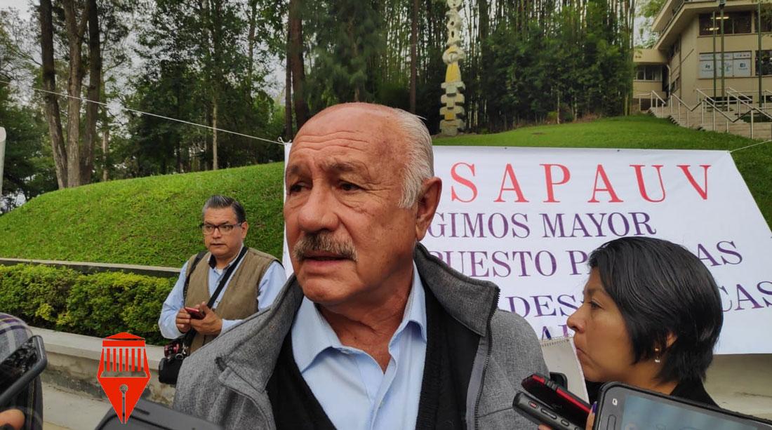 Este jueves, maestros y personal administrativo de los cinco campus de la Universidad Veracruzana (UV) realizaron un paro se labores por la crisis económica que enfrentan varias instituciones.