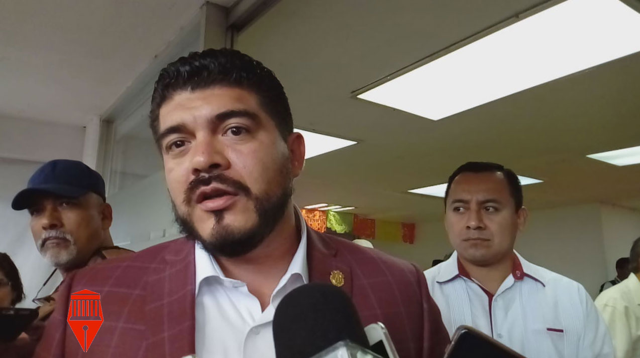 La semana pasada fue cesado un conserje de un kínder en Coatepec, por haber abusado de una menor de edad, señaló el secretario de Educación, Zenyazen Escobar García.