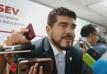 El secretario de Educación de Veracruz, Zenyazen Escobar García negó de manera categórica que hayan despedidoal subdirector administrativo del Instituto Veracruzano del Deporte (IVD), Francisco Bravo Bravo, por malos manejos financieros.