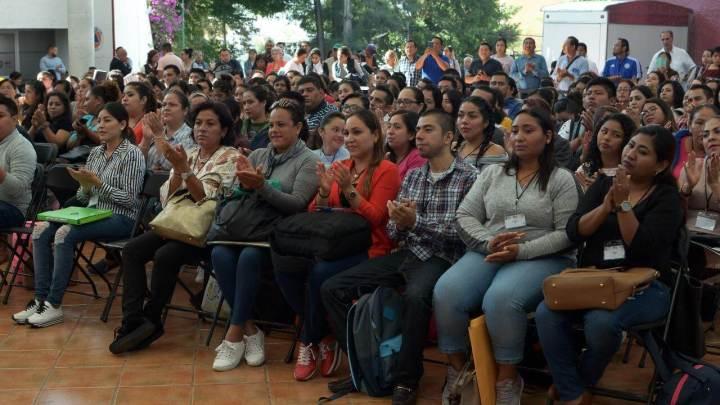 Se realiza entrega 183 plazas en educación básica