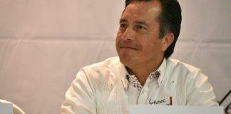 De acuerdo con la última encuesta de Consulta Mitosfky, el gobernador de Veracruz, Cuitláhuac García Jiménez cuenta con una aprobación del 40%; aún así, debe mejorar el tema de seguridad, ya que, de lo contrario, le afectará más adelante en la aprobación de la población.