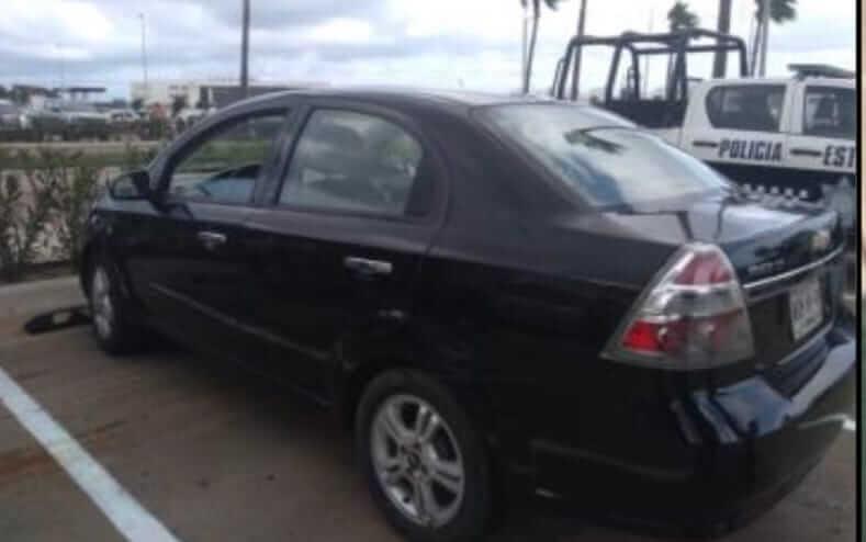 La Secretaría de Seguridad Pública (SSP) recuperó 8 vehículos, una plataforma de carga, una caja seca y un tractocamión que tenían reporte de robo y detuvo a 3 personas por diversos delitos, en diferentes eventos registrados en 9 municipios de la entidad.