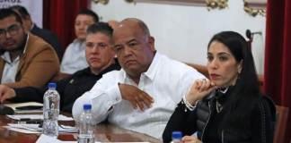 La Encargada del Despacho de la Fiscalía General del Estado, Verónica Hernández Giadáns participó en la Mesa de Seguridad para la Reconstrucción de la Paz celebrada en Palacio de Gobierno, esto, como parte de la estrategia contra la incidencia delictiva en la entidad veracruzana.