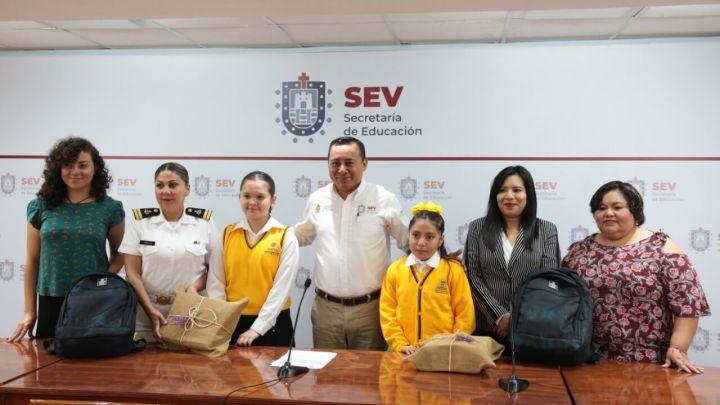 Entregan reconocimientos a concursantes de 'El niño y la mar 2019'