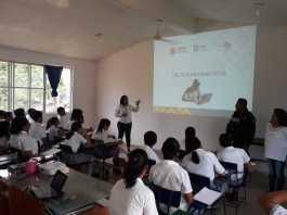 """Más de dos mil alumnos de diferentes instituciones educativas en Minatitlán, han sido beneficiados en lo que va el año por el programa """"Escuela Segura"""", proyecto impulsado por elementos de la Secretaría de Seguridad Pública (SSP)."""