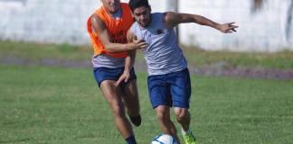 La semana inició para el Club Deportivo Veracruz la mañana de este lunes con un entrenamiento celebrado en las instalaciones del CAR, como parte de su preparación para el partido de la fecha 14 del torneo Apertura 2019 de la Liga MX en el que estarán recibiendo a los Tigres de la UANL el próximo viernes.
