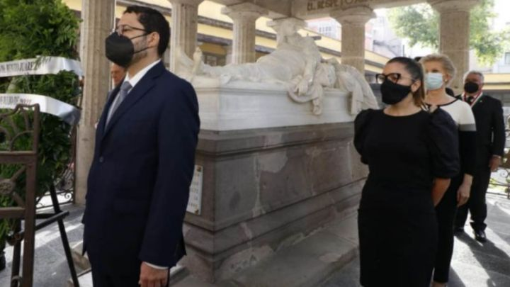 Vannesa Bohórquez presente en homenaje luctuoso a Benito Juárez
