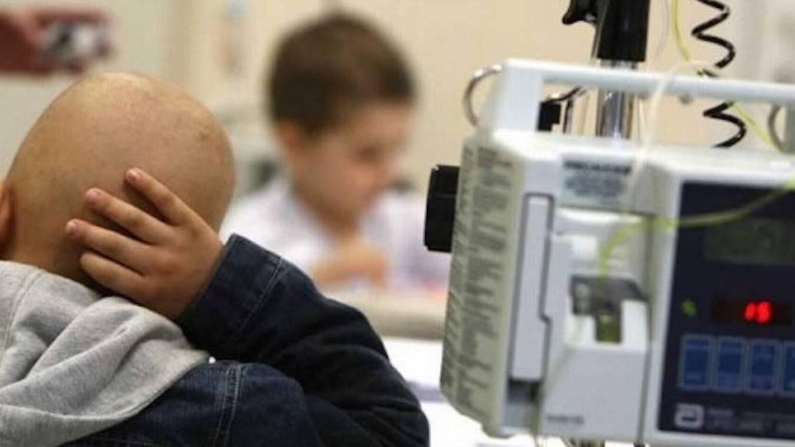 Autoridades aseguran que el viernes ya habrá medicamentos en la Torre Pediádrica: padres de niños con cáncer