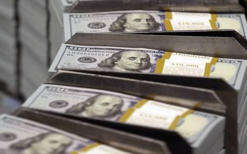 Peso mexicano opera debajo de $20 por dólar