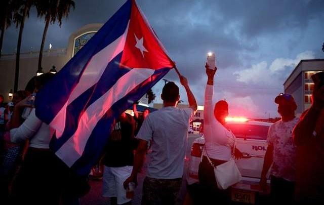 """Artistas como Ricky Martin piden """"ayuda humanitaria para Cuba"""""""