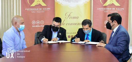 Signan convenio de colaboración UX y Sindicato de Normalistas