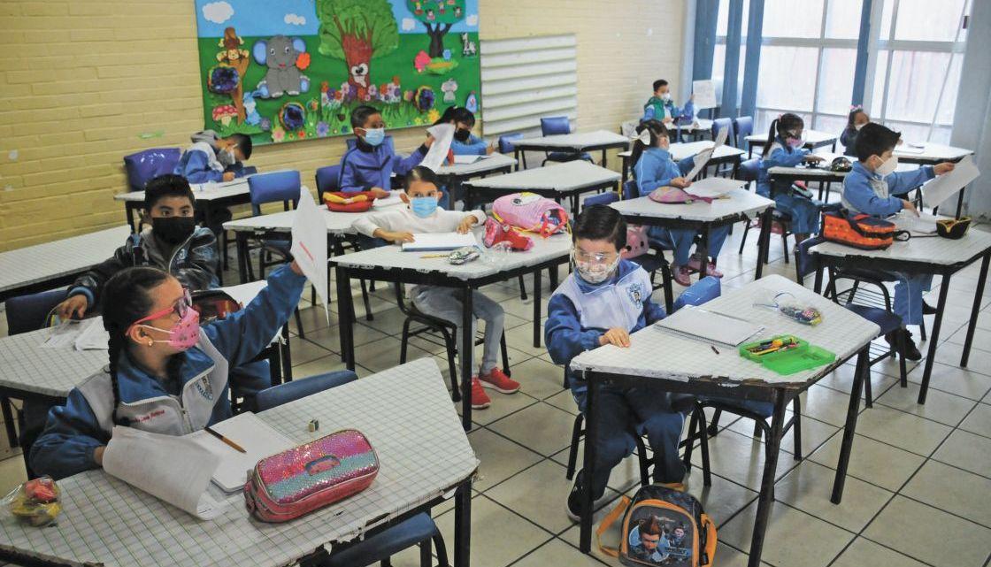 Salud niega incremento de casos por COVID-19 en menores tras regreso a clases presenciales