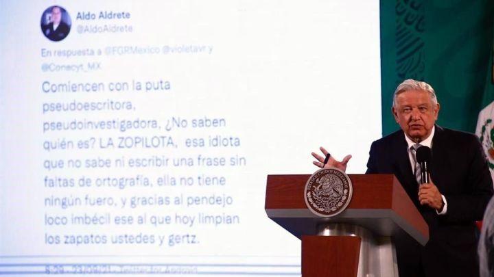 """""""Ofenden a Beatriz Gutiérrez y me ofenden a mí"""": AMLO exhibe insultos de científico"""