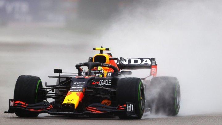 """Verstappen y """"Checo"""" Pérez, obligados a remontar en el Gran Premio de Rusia"""