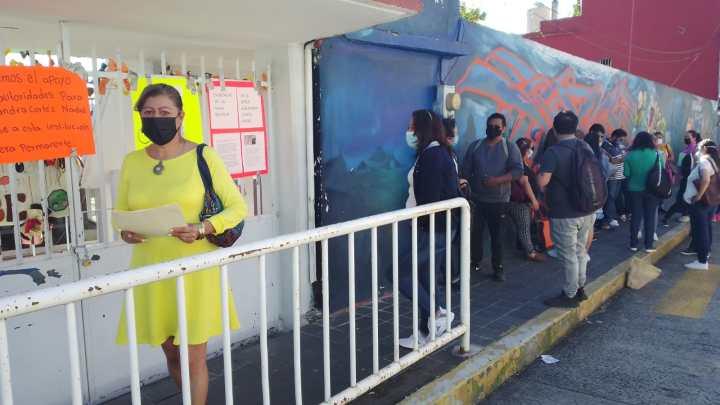 """Padres de familia protesta en el jardín de niños """"Esperanza Osorio"""""""