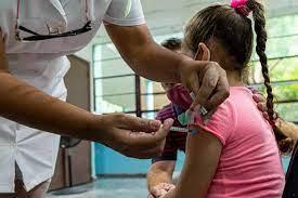 Juzgado ordena al Gobierno Federal vacunar a todos los menores de México