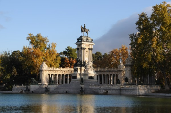Parque De Retiro Park Relax Center Madrid Isabella King