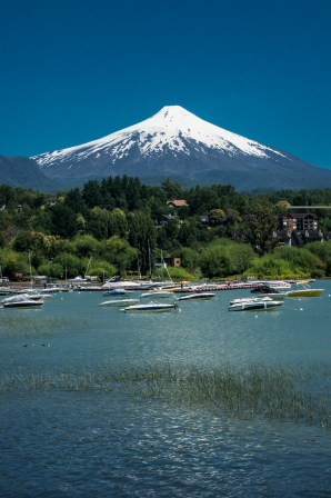 Volcano Villarica from the lake