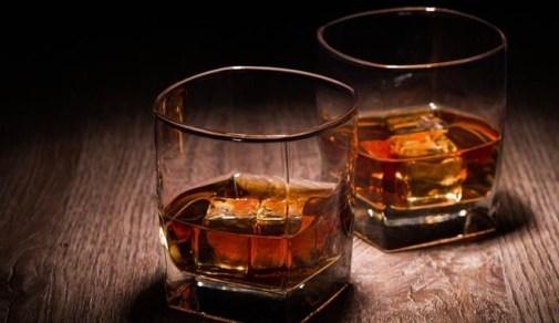 whiskey bar glasses resized_0