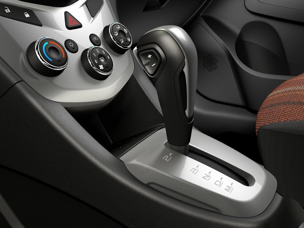 Chevrolet Sonic LTZ Aut 2013