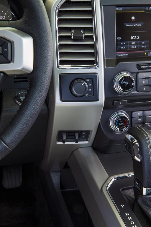 Ford Lobo XLT 4x2 Cabina Doble 2015
