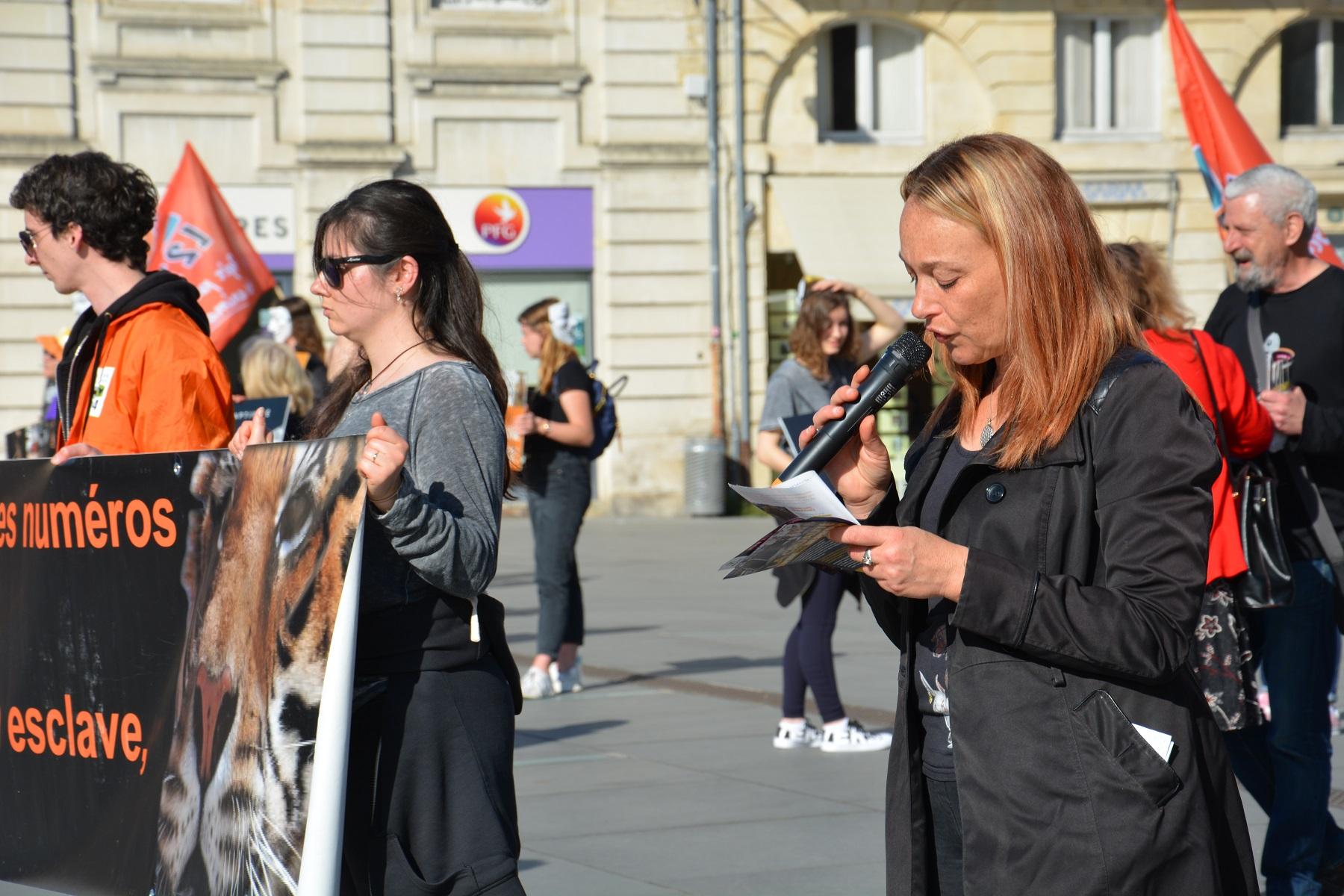 manifestation_mairie_bordeaux_animaux_cirques_discours
