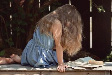 wypadające włosy u kobiety