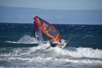 Windsurfing latem w kraju, zimą za granicą