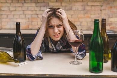 Odtrucie alkoholowe w domu - czy warto?