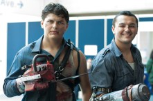 'Evil Dead' remains a popular cult favorite, as these two Ashes attest.