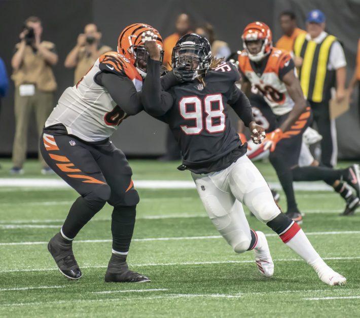 Takk Mickinney Defensive End Atlanta Falcons