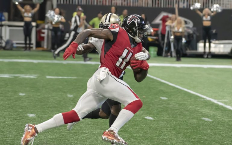 Atlanta Falcons Wide Receiver Julio Jones running after a catch against the New Orleans Saints