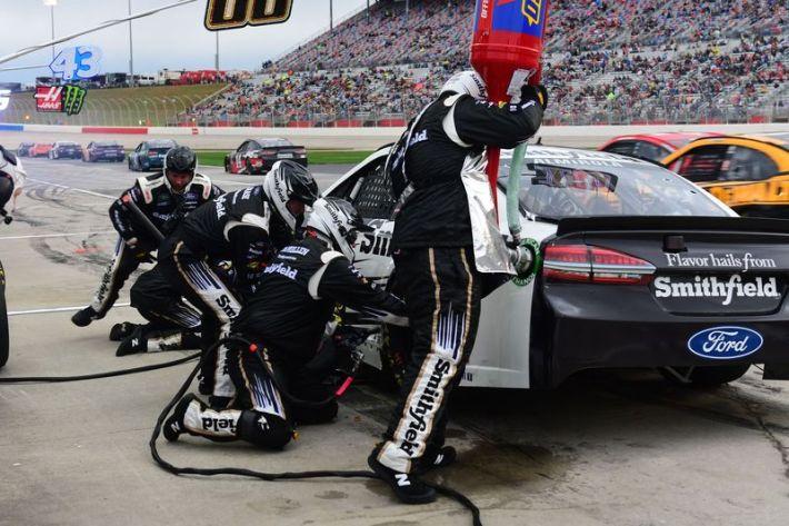 n the pit action at Atlanta Motor Speedway Nascar Weekend