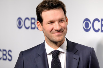 Former Dallas Cowboys QB Tony Romo has transitioned to the broadcast both.